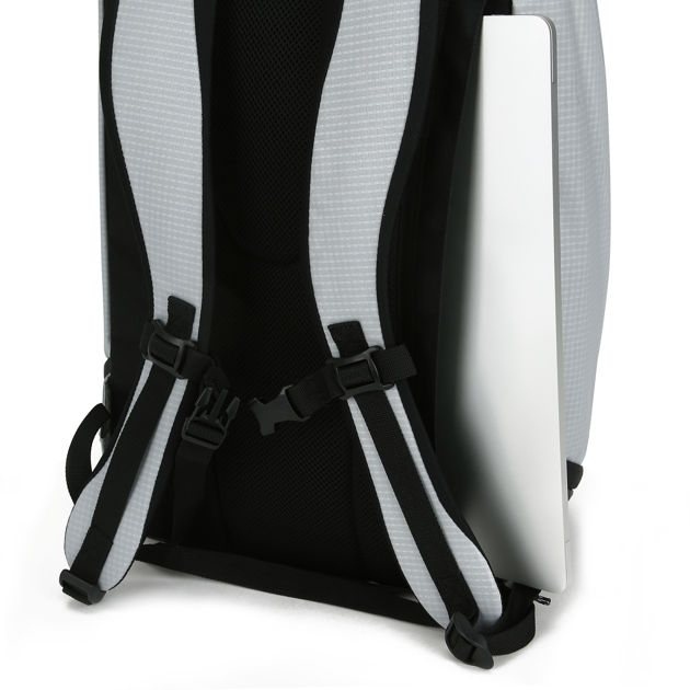 BLACK MOHICAN LOOP™ 25L BACKPACK