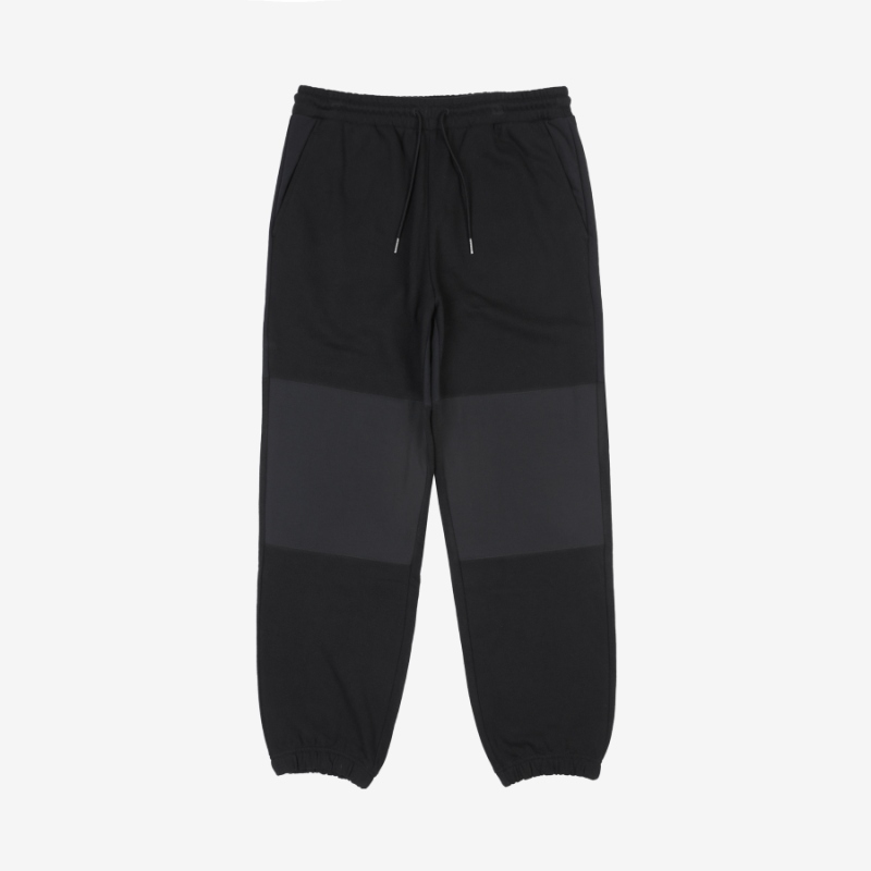 <Project 7> Detailed image of woven mix jogger pants 1