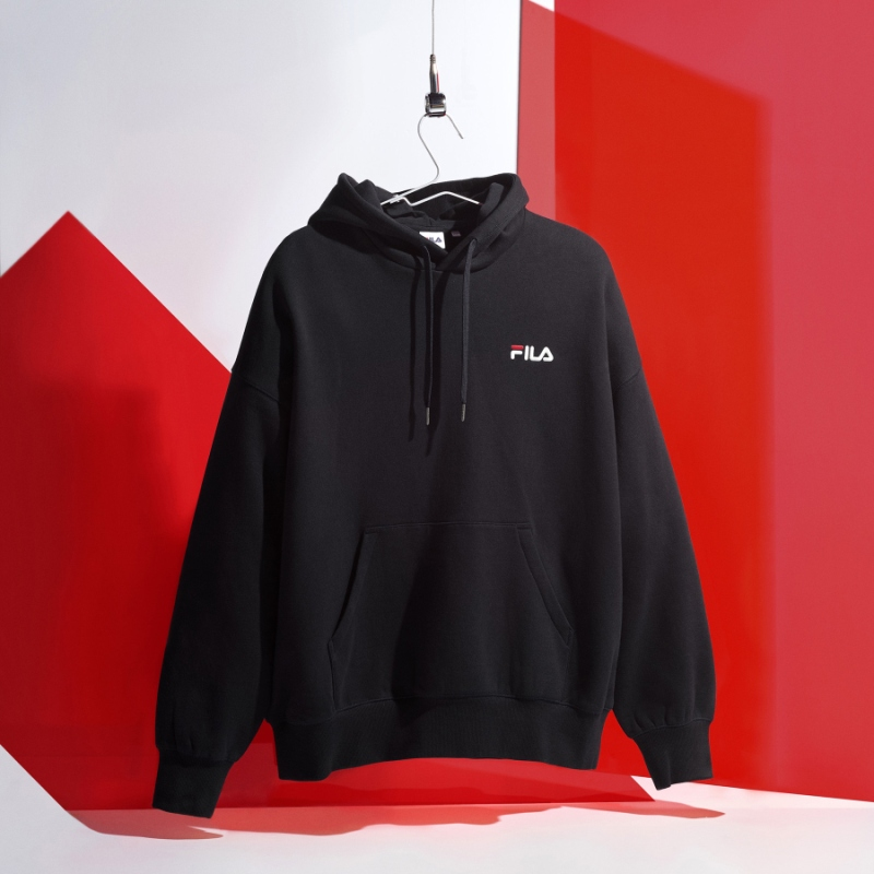 Detailed image of the overfit small linear brushed hoodie 1