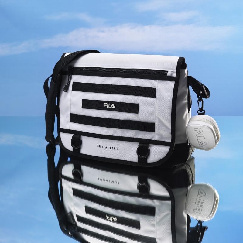 Detailed image of FORCE 21 messenger bag 1