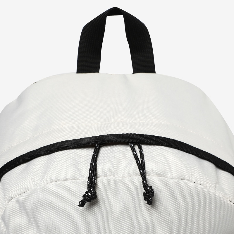 Detailed image of the T-STREET backpack 4