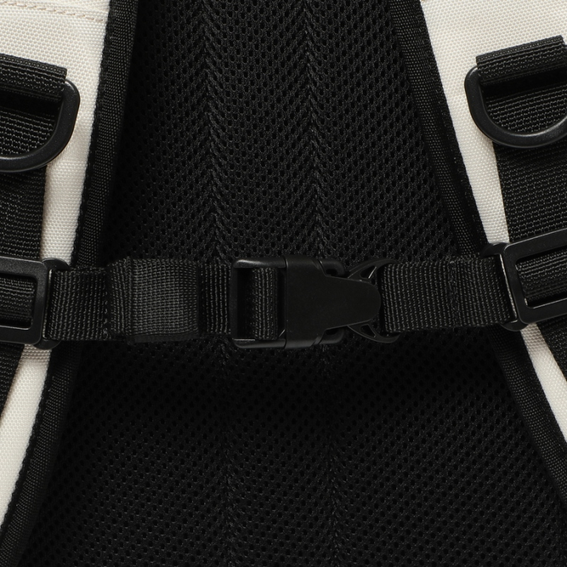 Detailed image of the T-STREET backpack 7