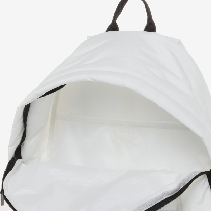 Detailed image of the Ace padded backpack 7